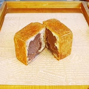 四角いチョコシュークリーム