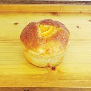 オレンジとホワイトチョコとふわもちパン